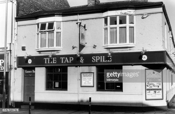 The Tap & Spile, Public House, Shields Road, Newcastle, 5th October 1988. Robert Newton Breweries.