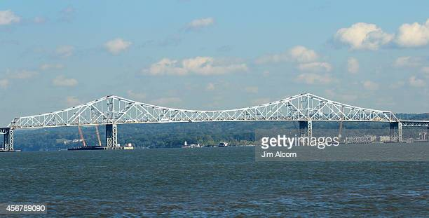 The Tappan Zee Bridge spans the Hudson River on October 6 2014 seen from Piermont New York A $39 billion construction project is underway to replace...