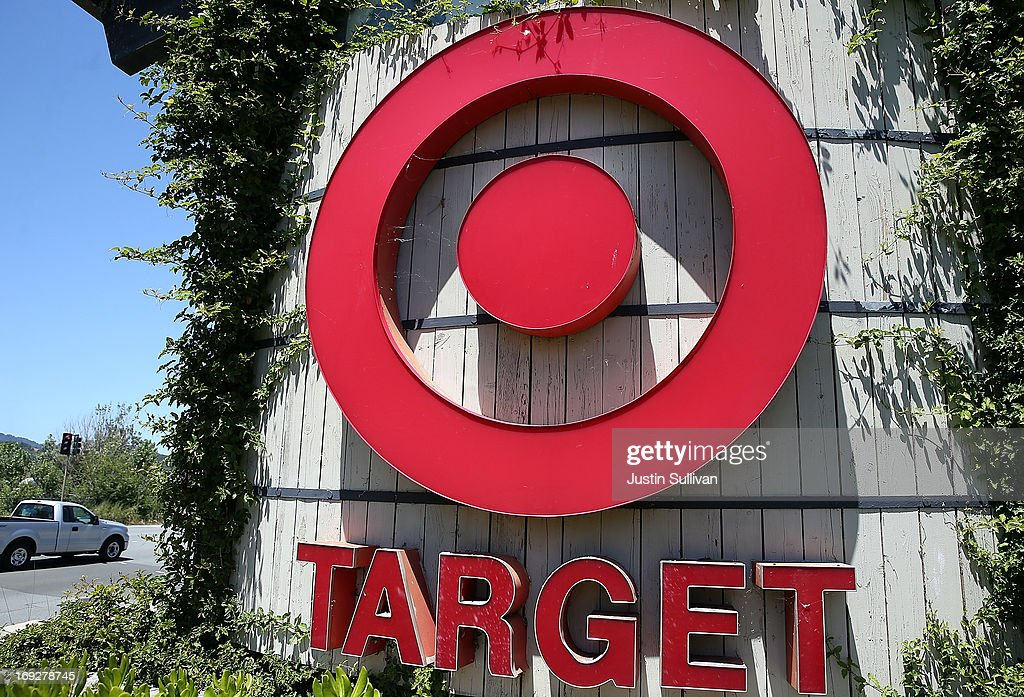 Targets Quarterly Earnings Drop : News Photo