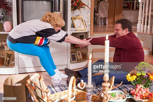 THE GOLDBERGS The Tasty Boys Murray doesn't budge when Beverly wants to remodel their kitchen like the Kremps Beverly devises a plan to do the work...