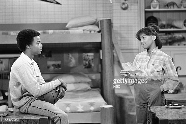 RENT STROKES The Team Episode 4 Pictured Todd Bridges as Willis Jackson Kim Fields as Dorothy 'Tootie' Ramsey