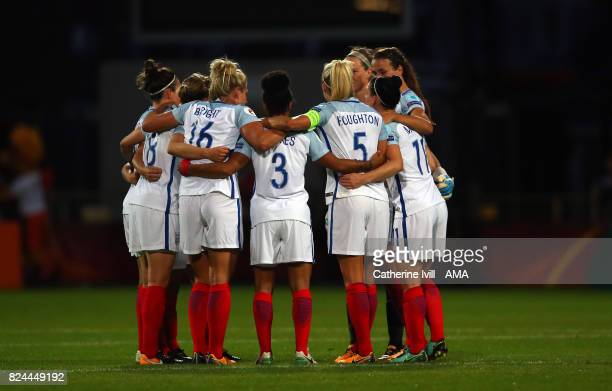 The team huddle before the UEFA Women's Euro 2017 match between England and France at Stadion De Adelaarshorst on July 30 2017 in Deventer Netherlands