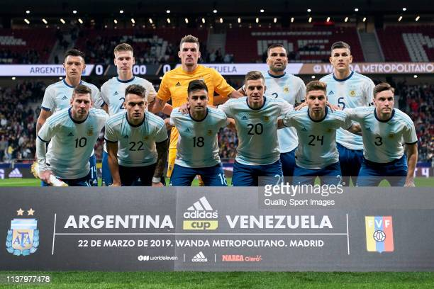 The team line up for a photo prior to kick off during the international friendly match between Argentina and Venezuela at Estadio Wanda Metropolitano...