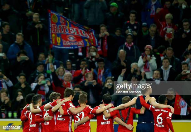 The team of Bayern Muenchen celebrates after winning 10 the Bundesliga match between Borussia Moenchengladbach and Bayern Muenchen at BorussiaPark on...