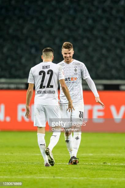 The Team of Borussia Moenchengladbach celebrates after the Bundesliga match between Borussia Moenchengladbach and SV Werder Bremen at Borussia-Park...