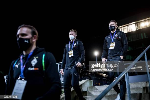 The Team of Borussia Moenchengladbach is seen before the Group B UEFA Champions League match between Borussia Moenchengladbach and Real Madrid at...