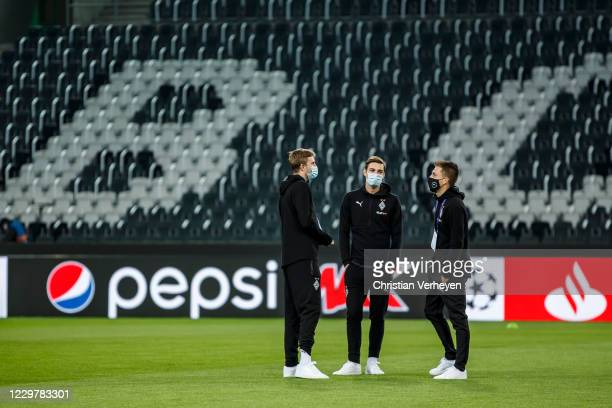 The Team of Borussia Moenchengladbach is seen before the Group B UEFA Champions League match between Borussia Moenchengladbach and Shakhtar Donetsk...