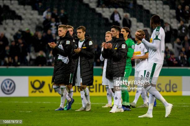 The Team of Borussia reacts after the DFB Cup match between Borussia Moenchengladbach and Bayer 04 Leverkusen at BorussiaPark on October 31 2018 in...