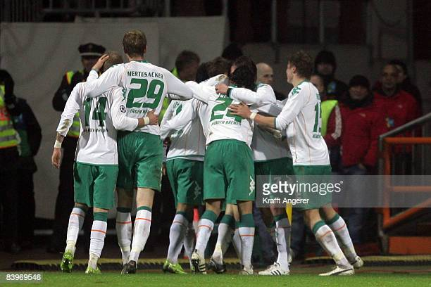 The team of Bremen celebrates the second goal during the UEFA Champions League Group B match between SV Werder Bremen and Inter Milan at the Weser...