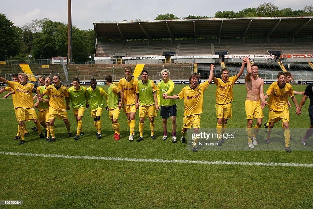 1. FC Saarbruecken v Borussia Dortmund - DFB Juniors Cup : News Photo