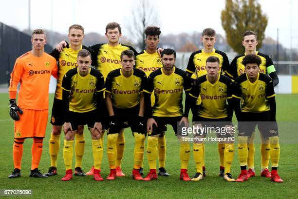 The team of Dortmund poses prior to the UEFA Youth League match between Borussia Dortmund and Tottenham Hotspur at Training Ground Brakel on November...