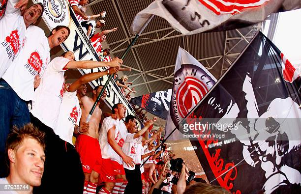 The team of Duesseldorf celebrates the ascension to the 2 Bundesliga after winning the 3 Liga match between Fortuna Duesseldorf and Werder Bremen II...