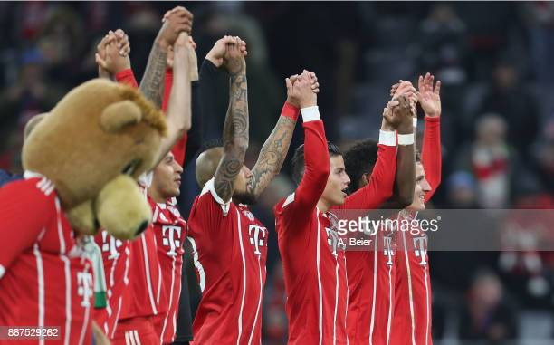 The team of FC Bayern Muenchen celebrates their victory of the Bundesliga match between FC Bayern Muenchen and RB Leipzig at Allianz Arena on October...