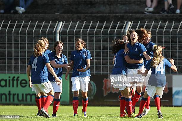 The team of France celebrates the goal of Lucie Pingeon of France during the Girl's International Friendly Under 16 match between Germany and France...