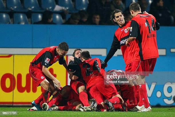 The team of Frankfurt celebrates the second goal during the Bundesliga match between VfL Bochum and Eintracht Frankfurt at Rewirpower Stadium on...