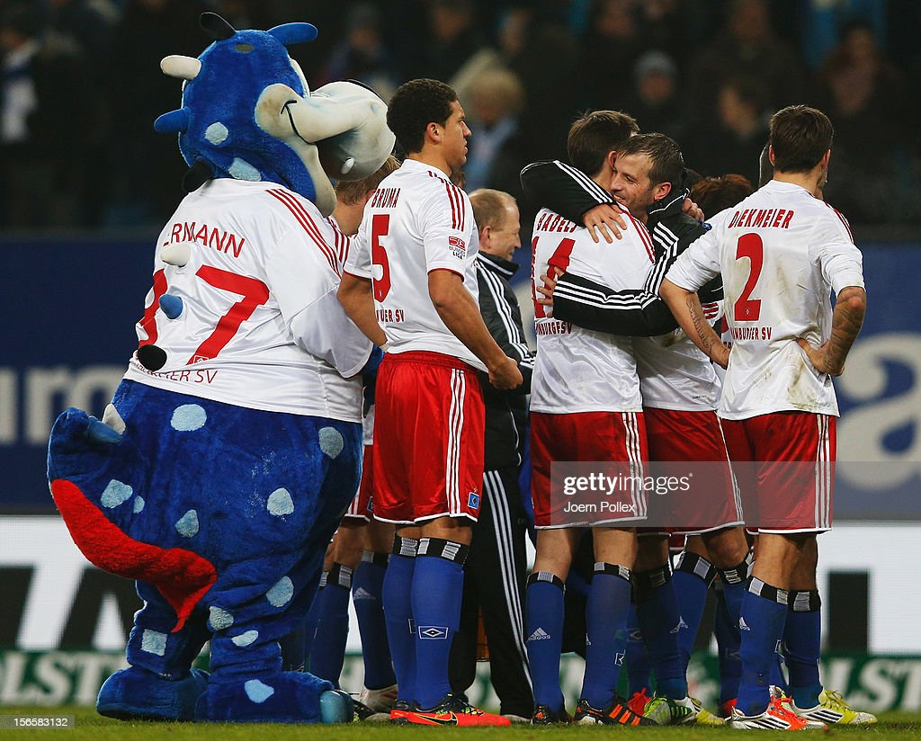 The team of Hamburg celebrates after the Bundesliga match between Hamburger SV and 1. FSV Mainz 05 at Imtech Arena on November 17, 2012 in Hamburg, Germany.
