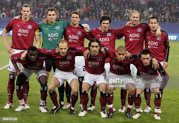 The team of Hamburg : Daniel van Buyten, Stefan Waechter,Khalid Boulahrouz, Raphael Wicky, Sergej Barbarez, Naohiro Takahara.: Thimothee Atouba,...