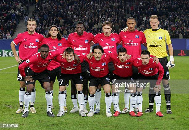 The team of Hamburg first row : Boubacar Sanogo, Rafael van der Vaart, Mehdi Mahdavikia, Benny Feilhaber and Piotr Trochowski. Second row : Danijel...