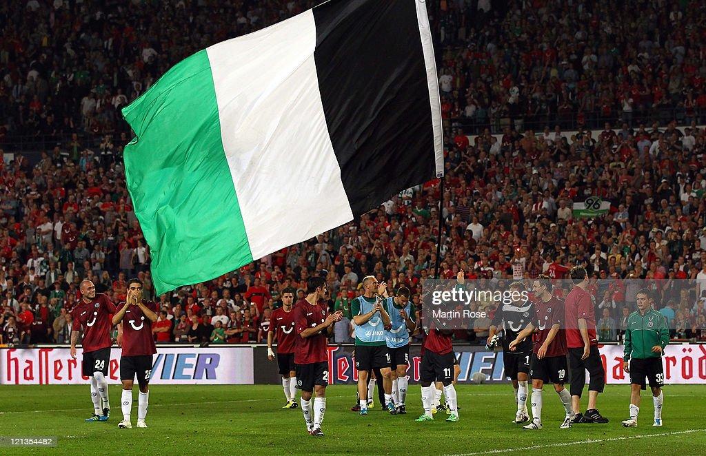 Hannover 96 v FC Sevilla - UEFA Europa League Play-Off : News Photo