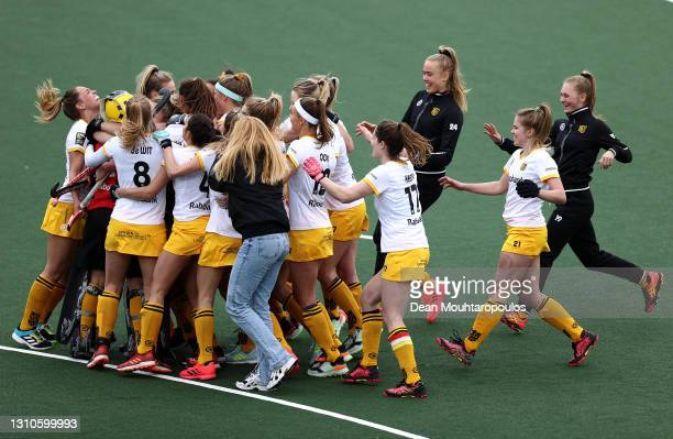 The team of HC 's-Hertogenbosch celebrate victory in the penalty shoot out during the Womens Euro Hockey League Final4 semi-final match between AH&BC...