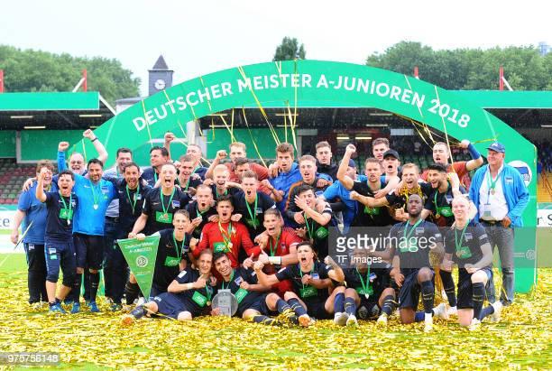 The team of Hertha celebrates after winning the German A Juniors Championship final match between FC Schalke 04 U19 and Hertha BSC U19 at Stadion...
