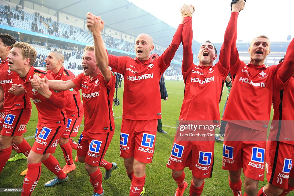 The team of IFK Norrkoping celebrates after the match between Malmo FF and IFK Norrkoping at Swedbank Stadion on October 31, 2015 in Malmo, Sweden.