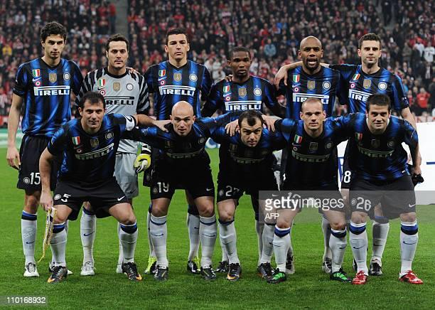 The team of Inter Milan first row : Inter Milan's Serbian midfielder Dejan Stankovic, Inter Milan's Argentine midfielder Esteban Matias Cambiasso,...