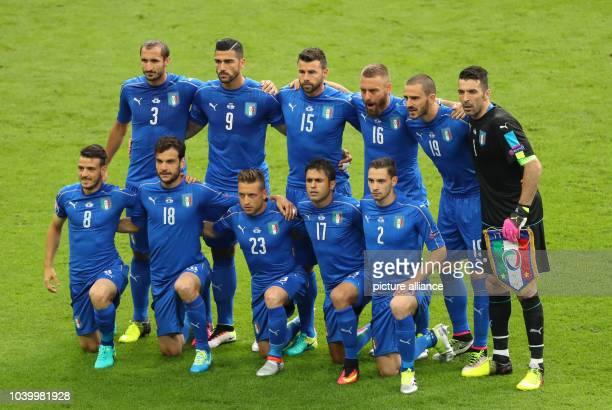 The team of Italy Giorgio Chiellini Graziano Pelle Andrea Barzagli Daniele De Rossi Leonardo Bonucci and goalkeeper Gianluigi Buffon Alessandro...