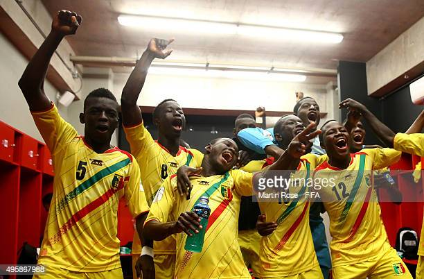 The team of Mali celebrate victory after the FIFA U17 Men's World Cup 2015 semi final match between Mali and Belgium at Estadio La Portada on...