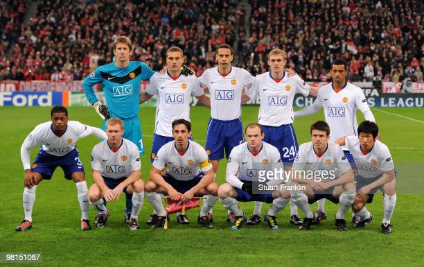 The Team of Manchester United line up prior to the UEFA Champions League quarter final first leg match between FC Bayern Munich and Manchester United...