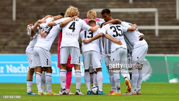 The team of Mannheim comes together prior to the 3. Liga match between Borussia Dortmund II and Waldhof Mannheim at Stadion Rote Erde on July 31,...
