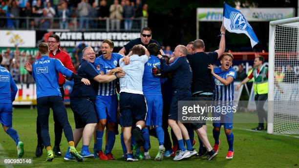 The team of Meppen celebrastes after winning 3 after penalty shootout the Relegation Regionalliga Play Off second leg match at Hensch Arena on May 31...