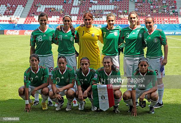 The team of Mexiko lines up during the FIFA U20 Women's World Cup Group C match between Mexiko and Japan at the FIFA U20 Women's Worl Cup stadium on...