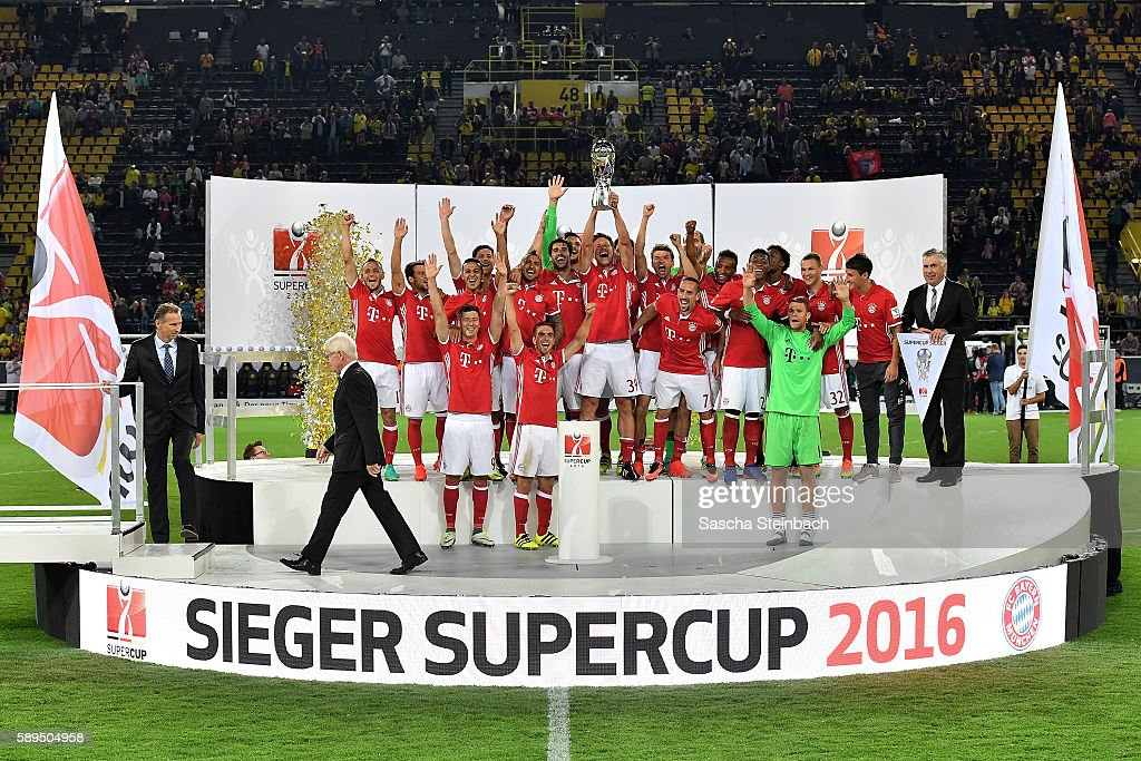 The team of Muenchen receives the trophy after winning the DFL Supercup 2016 match against Borussia Dortmund at Signal Iduna Park on August 14, 2016 in Dortmund, Germany.