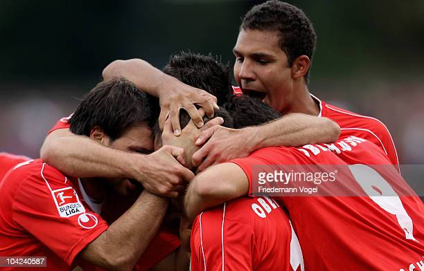 The team of Oberhausen celebrates scoring the third goal during the Second Bundesliga match between RW Oberhausen and VfL Bochum at the Niederrhein...