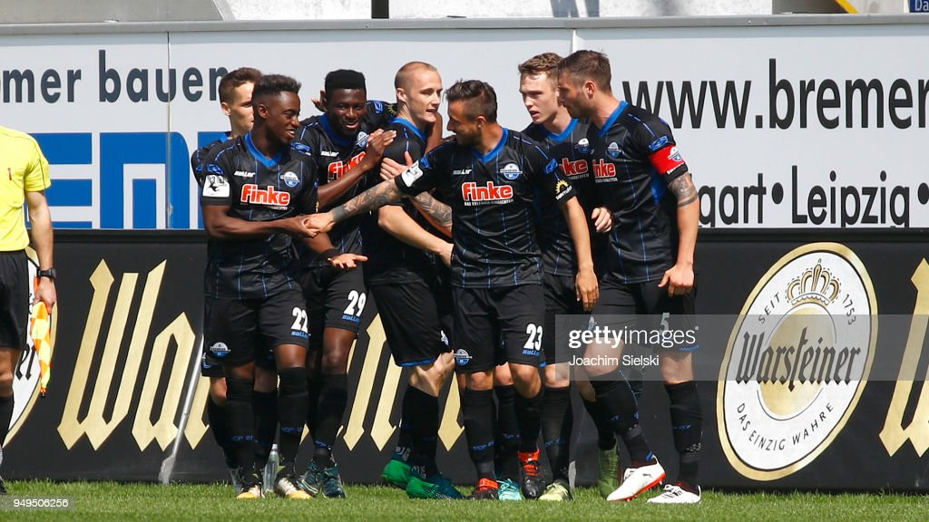 The Team of Paderborn celebrates the opening goal for Paderborn during the 3. Liga match between SC Paderborn 07 and SpVgg Unterhaching at Benteler Arena on April 21, 2018 in Paderborn, Germany.