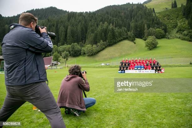 The team of SC Freiburg poses during the Allianz Frauen Bundesliga Club Tour on August 21 2017 in Warth Austria