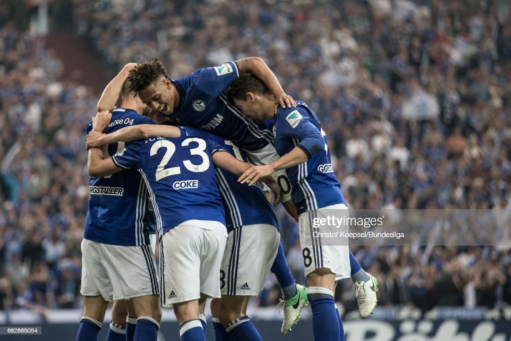 The team of Schalke celebrates the first goal during the Bundesliga match between FC Schalke 04 and Hamburger SV at Veltins-Arena on May 13, 2017 in Gelsenkirchen, Germany.