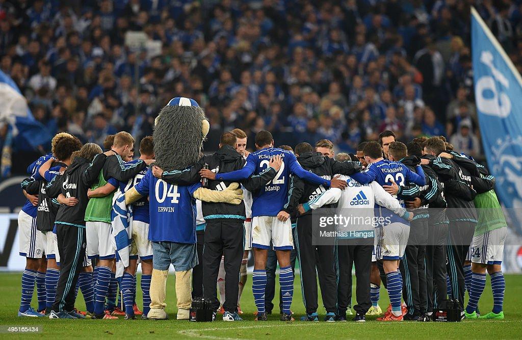 The team of Schalke seen after the Bundesliga match between FC Schalke 04 and FC Ingolstadt at Veltins-Arena on October 31, 2015 in Gelsenkirchen, Germany.