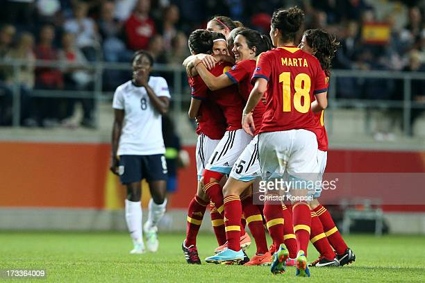 The team of Spain celebrates the 32 victory after the UEFA Women's EURO 2013 Group C match between England and Spain at Linkoping Arena on July 12...