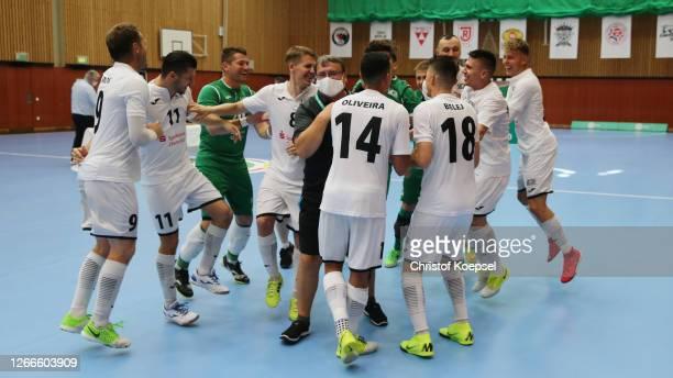 The team of SV Hohenstein-Ernstthal celebrates after winning the German Futsal Championship Final match between Jahn Regensburg and VfL 05...