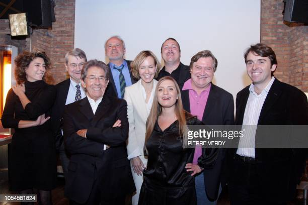 The team of the new French TV channel Vivolta dedicated to 4565 year old audience pose together 14 November 2007 in Paris after a press conference...