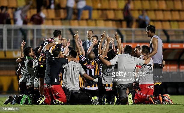The team of The Strongest celebrates after the match between Sao Paulo v The Strongest as part of Group 1 of Copa Bridgestone Libertadores at...