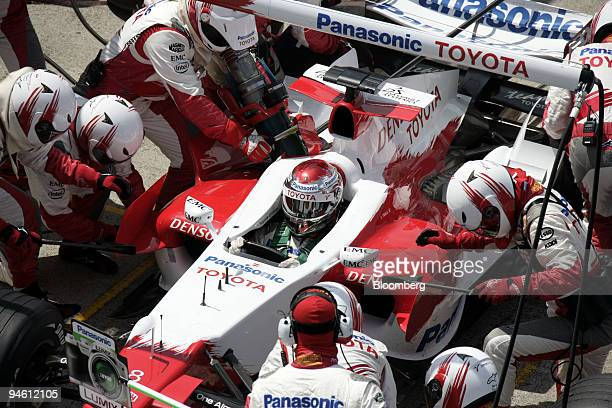 The Team Toyota pit stop with Jarno Trulli is seen at the the Formula 1 GP of Great Britain in Silverstone UK Sunday June 11 2006