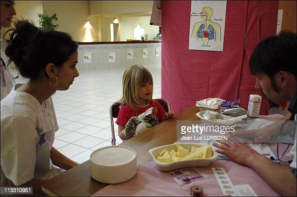 The Teddy Bear Hospital On April 7Th In Villejuif France Chloe At The End Of The Consultation With The 'Nounoursologue' In An Addition To An Arm...