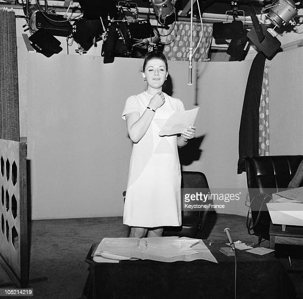 The Television Newscaster AnneMarie Peysson On January 17 1966 She Was Then At The Heart Of A Controversy For She Was Pregnant Before The Massif...