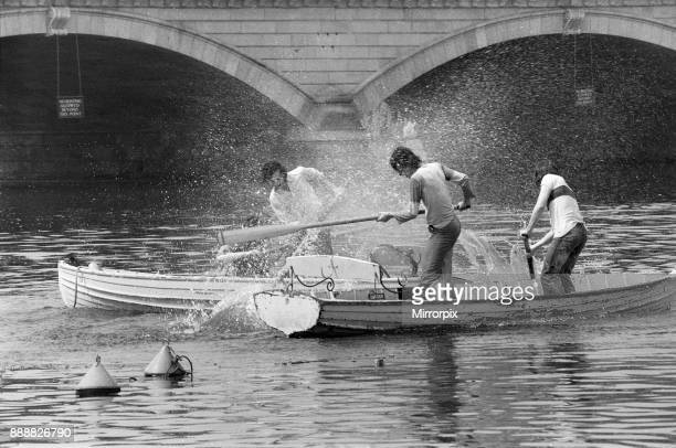 The temperatures rose into the upper 70's again today and crowds flocked to sunbathe and relax in Hyde Park London Keeping cool in the Serpentine...