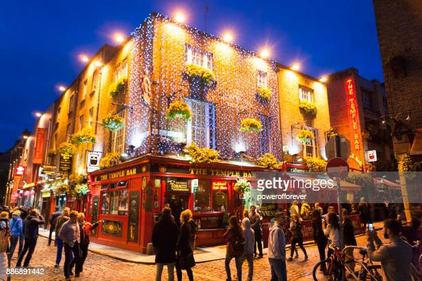the temple bar pub at temple bar district in dublin, ireland - dublin stock pictures, royalty-free photos & images