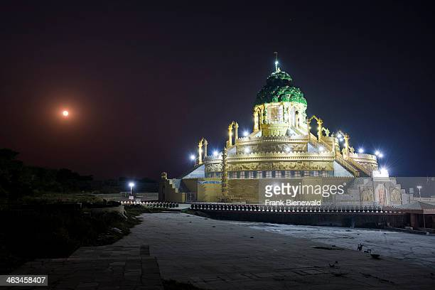 The Temple of 108 Jains at night situated at the foot of at Shatrunjaya hill one of the major pilgrim sites for Jains