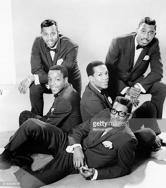 The Temptations dressed formally in 1966